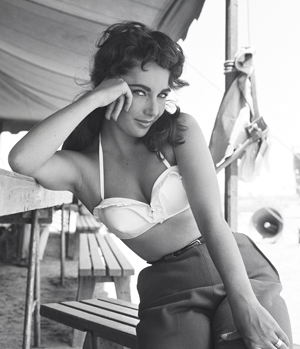 Elizabeth Taylor Is A Beauty For All Time 4 150x150 Elizabeth Taylor Is A Beauty For All Time