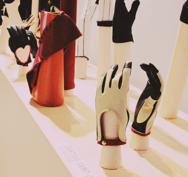 glove exhibition